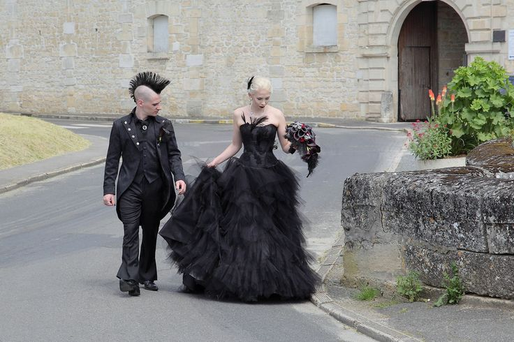 Janne and Tony's gothic wedding. Cermony in Citty Hall of Villers-Sous-Saint-Leu, France