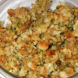 Mom's Stuffing on BigOven: The best stuffing in the world!  Never eat Stove Top again!