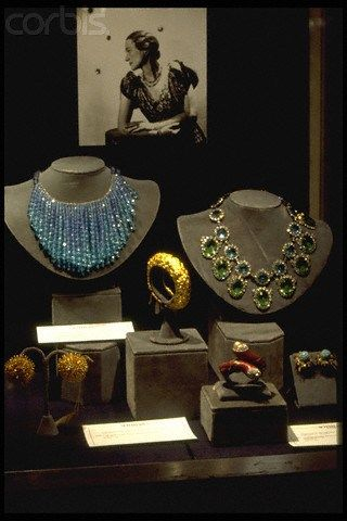 1. A turquoise necklace    2. A diamond, emerald, and sapphire necklace    3. Gold bangle bracelet    4. Red enamel bracelet    5. Pair Turquiose and gold earrings    6. Pair of gold earrings_    Jewels of the Duchess of Windsor
