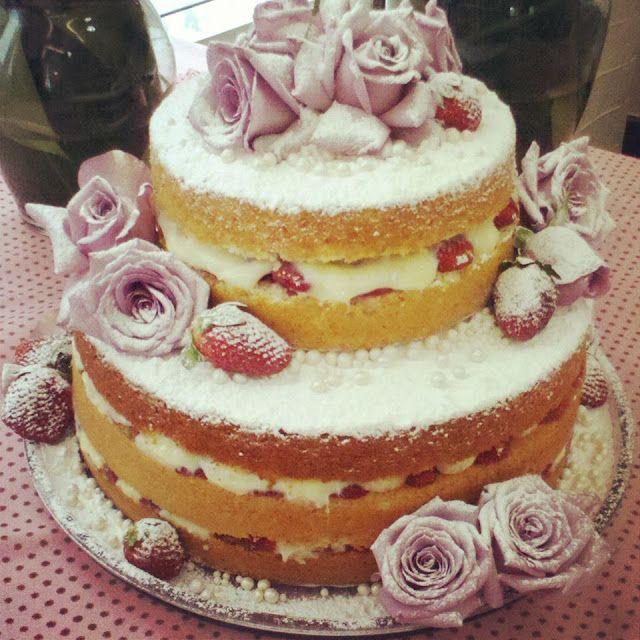 Assessoria Lidiane Fidelis : Os recheios do nacked cake decoram a festa de casamento