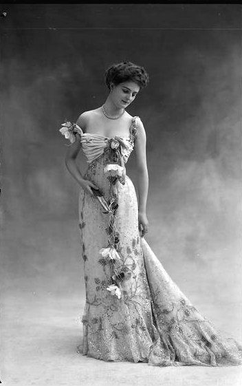 vintage photograph of Jeanne Dortzal in evening wear, 1900 | Photograph by Nadar