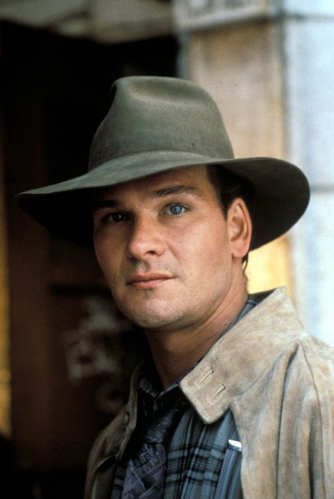 Patrick Swayze and Diane Ladd in Father Hood (1993)