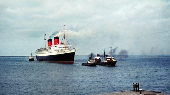 Entspannung: Meditation über die Schiffsreise - ein Schiff der Aida Klasse emittiert pro Tag so viel Luftschadstoffe wie fünf Millionen PKW.