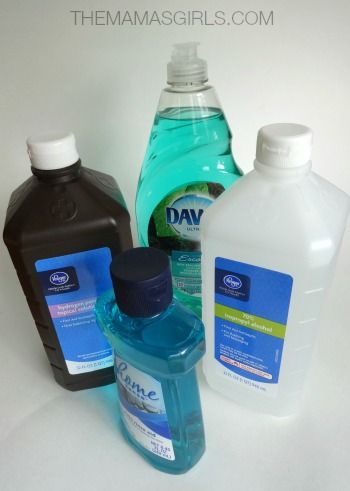 Eliminate #shower scrubbing with this #DIY cleaner.