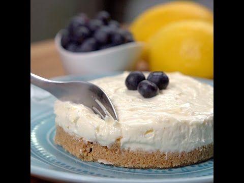 Prajitura cheesecake de cinci minute: Fara coacere, fara zahar, fara faina!