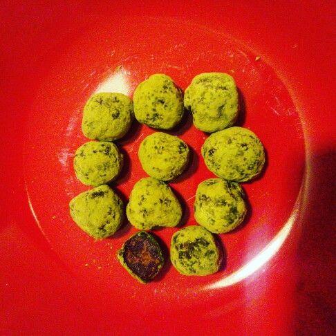 Matcha choco-balls