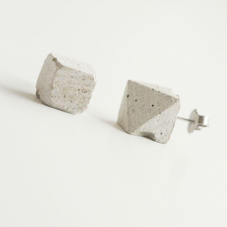 myConcrete+Cube+mix+myConcrete+Cube+mix+Luxusní+doplněk+pro+každou+příležitost+-+ručně+vyrobené+puzetkové+náušnice+ze+speciálně+vyvinutého+vysokopevnostního+lehčeného+betonu.+-+povrchově+neupraveno,+pouze+ošetřeno+kvalitní+impregnací+proti+vodě