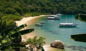 Vermelha beach near Paraty, Rio de Janeiro state.