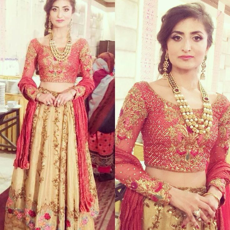 """Sana Magsi in our Tangerine Choli and Amaryliss Lehnga at a recent wedding in Lahore #tenadurrani #clientdiaries #winterweddings #lovethelook #lehnga…"""
