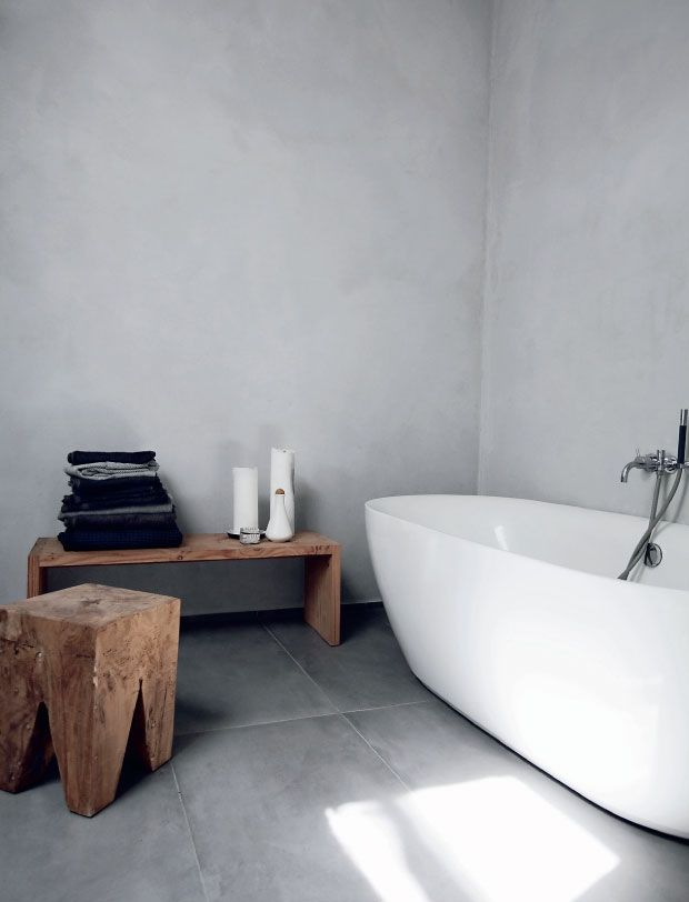 Wooden bench in white and grey bathroom!!!
