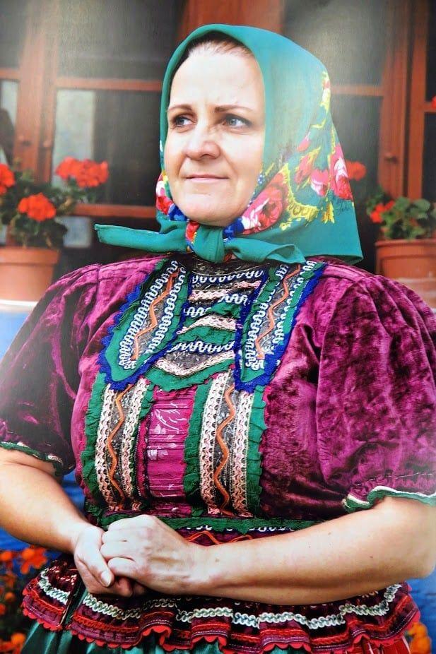 Rejdovský nedeľný kroj, aký sa nosil bežne v nedeľu poobede, keď nebol sviatok. Slovakia