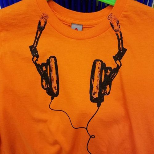 Now in for #tots and #youth: #Orange #Headphones #Tees from @newskoolsf!  #Giants colors anyone?  #shoplocal #shopsmall #blackandorange #baseball #apparel #kids #music via Headphones on Instagram - Best Sound Quality Audiophile Headphones and High-Fidelity Premium Earbuds for Hi-Fi Music Lovers by AudiophileCans
