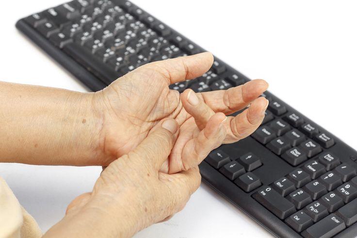 ..perchè la Chirurgia Plastica è anche Chirurgia della mano. Leggi il nostro approfondimento sul dito a scatto.