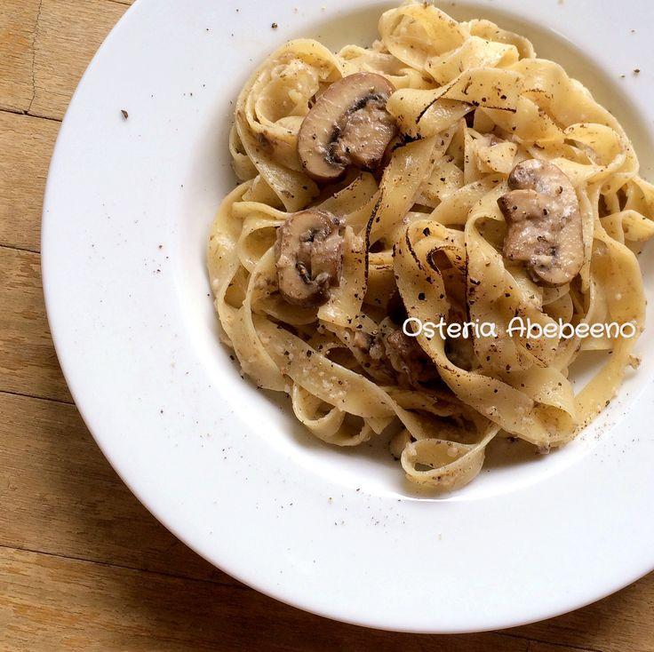 Pappardelle con Crema di Champignon マッシュルームペーストのパッパルデッレ 焦がしチーズ仕立て - Osteria Abebeeno