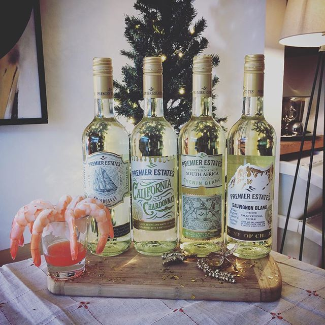Discover our range of white wines from around the globe #party #wine #winetasting #whitewine #celebrating #christmas #christmasiscoming #stockup #seafood #winedeals #keepitpremier
