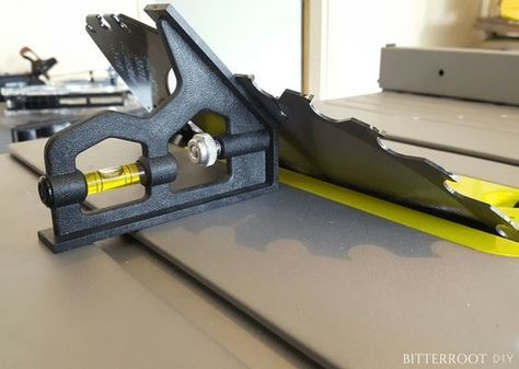 """How to Align a Table Saw. Align a Ryobi 10"""" Table Saw."""