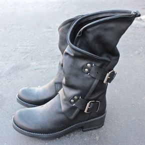 Amazing motorcycle chic boots that features a smooth (real) leather upper for style, padded footbed for comfort, moldable shaft allows you to bend and style the