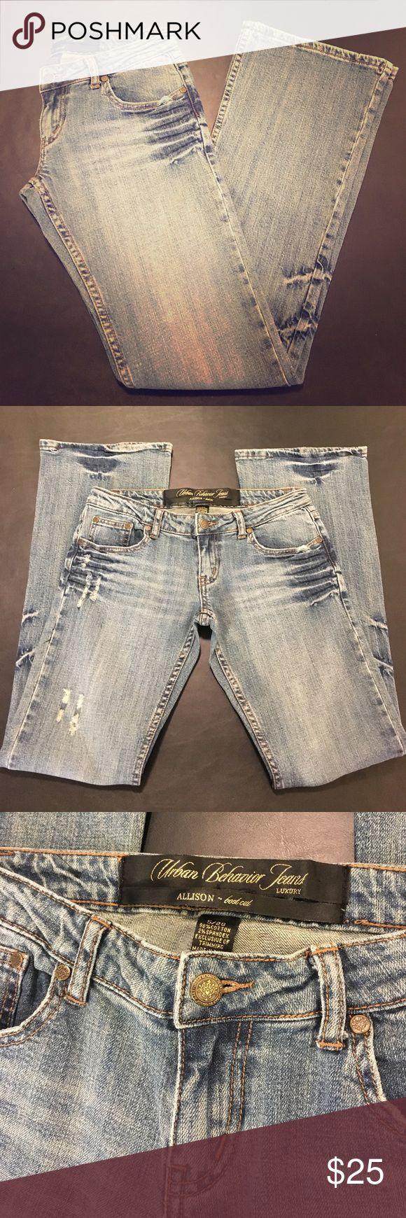 "URBAN BEHAVIOR LUXURY Jeans Allison Boot Cut 5/28 Cotton-spandex blend. Boot cut. Low rise. Distressed, light-medium wash. Luxury jeans. ""Allison"" jeans. 71B-1899563. Women's size 5/28. Urban Behavior Jeans Boot Cut"