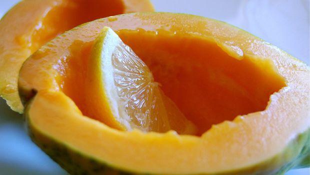 La maschera viso illuminante fatta in casa coi frutti tropicali - Homemade face mask with tropical fruits