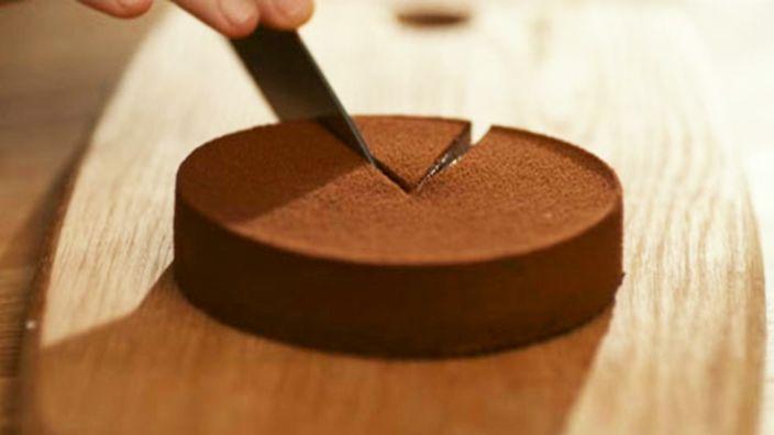 Heston's exploding chocolate gateau