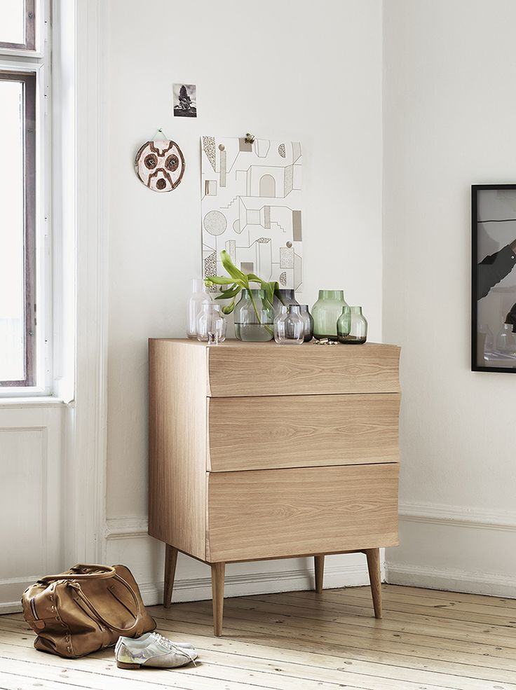 Muuto - Reflect drawer designed by SØREN ROSE STUDIO, decorated with Silet vases by ANDREAS ENGESVIK