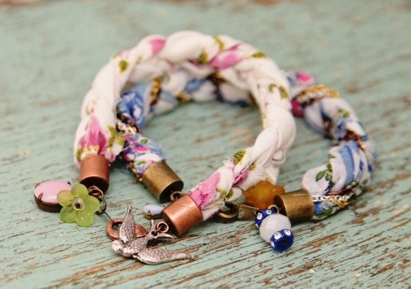 4. Bracelet - 8 Fabulous Ways to Repurpose Beautiful Vintage Handkerchiefs ... | All Women Stalk