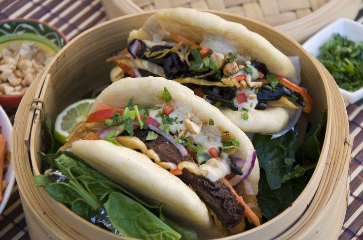 Veganes Gua Bao .Gedämpfte Brötchen mit würziger Füllung und  Wasabi Dip <3  Vegan Gua Bao . Steamed Buns with spicy filling and Wasabi Dip <3 https://www.vivalasvegans.de/rezepte/hauptgerichte/gua-bao/