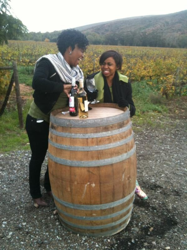 #TangledTreeTreasures @ThisIsBusi 'Good friends laugh it out with @TangledTree @vanloverenwines @RobertsonWineV #wackywine'