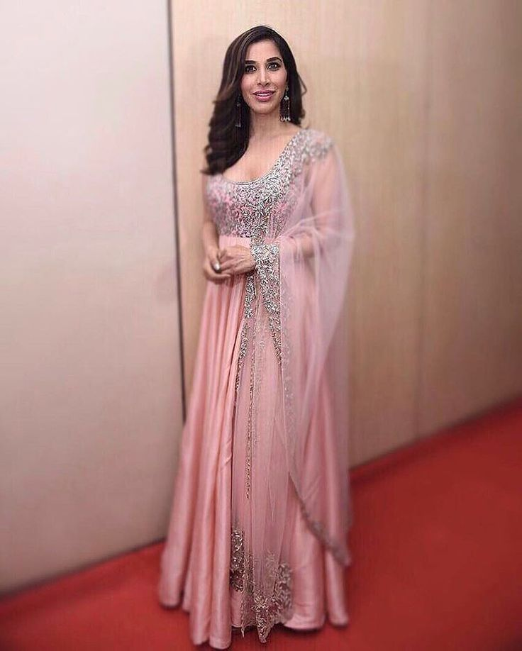 #The #Elegant #Indian look #gorgeous on @sophiechoudry #indian #pretty #manishmalhotralabel #timeless #manishmalhotraworld @mmalhotraworld