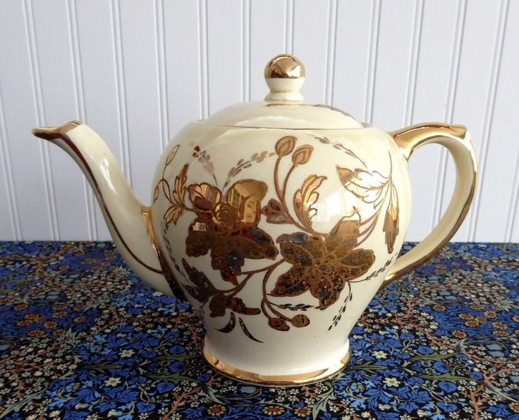 Sadler Teapot Gold And White 1950s Floral Large Vintage Tea Pot 4-6 Cups