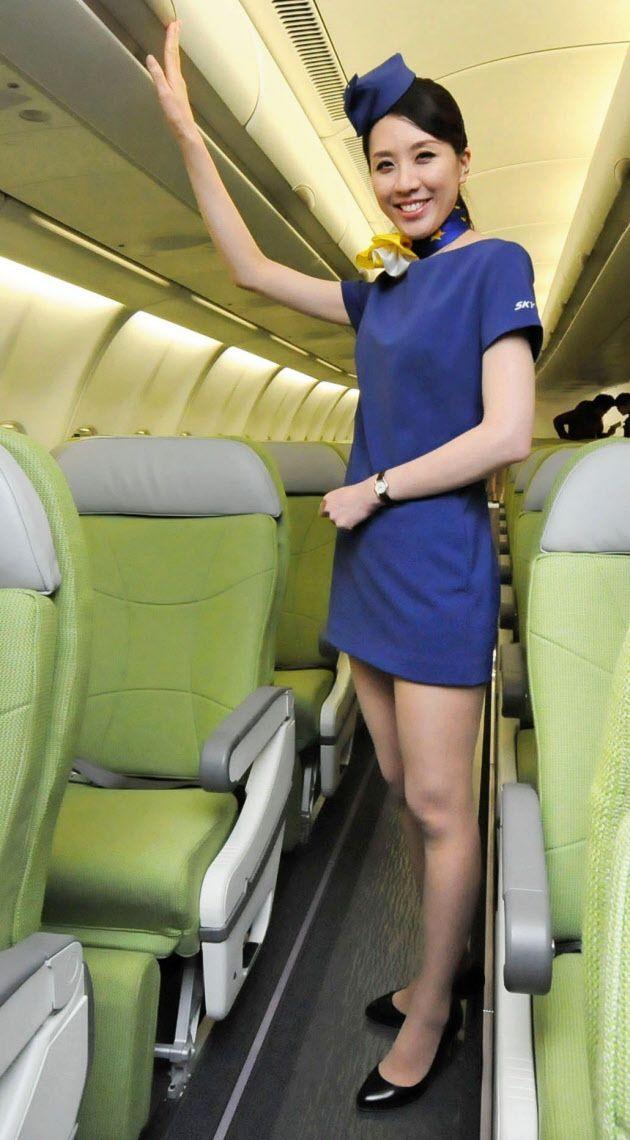 Японские стюардессы со своими услугами — 12