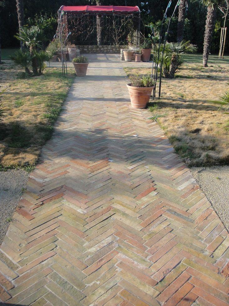 Id e chemin en carrelage ancien en terre cuite de type b tons rompus pour habiller votre for Comcarrelage exterieur terre cuite