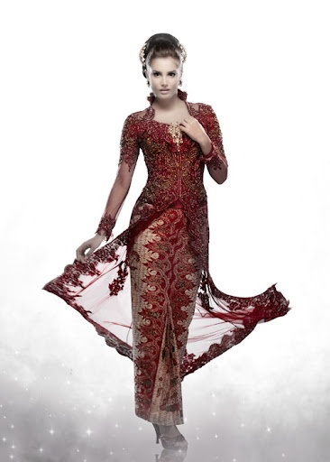 Red - gold kebaya