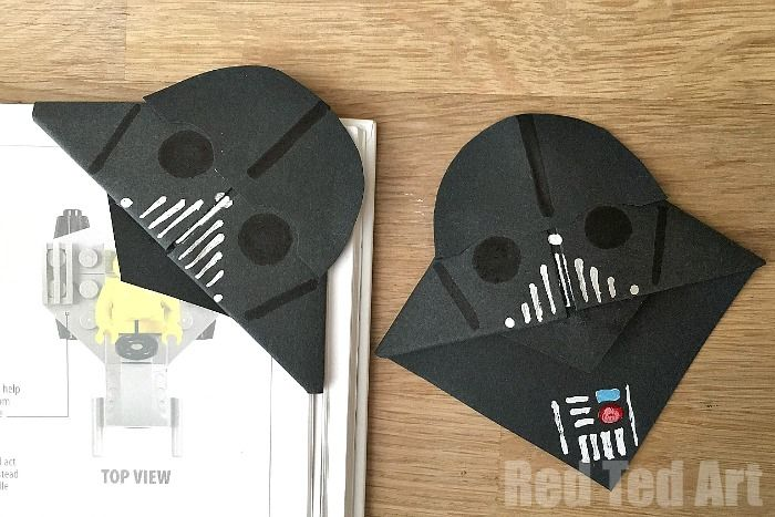 This is a super simple and easy Darth Vader Bookmark - it pops neatly over the corner of your book.Makes for a great gift on Father's Day too. Simple & easy