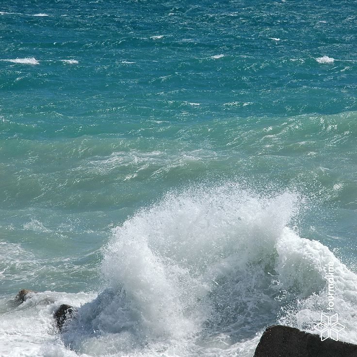 #sea #free_Image #tourmalinepro #storm #spray #spike #drops #water #blue #wave #celadon #turquoise #wind #bright_sunny_day #boulders