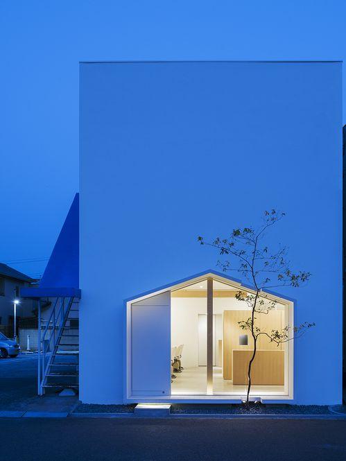 Fachada 'Folm Arts' Arquiteto: Tsubasa Iwahashi Architects Fotógrafo: Yoshiro Masuda Fonte: Archdaily