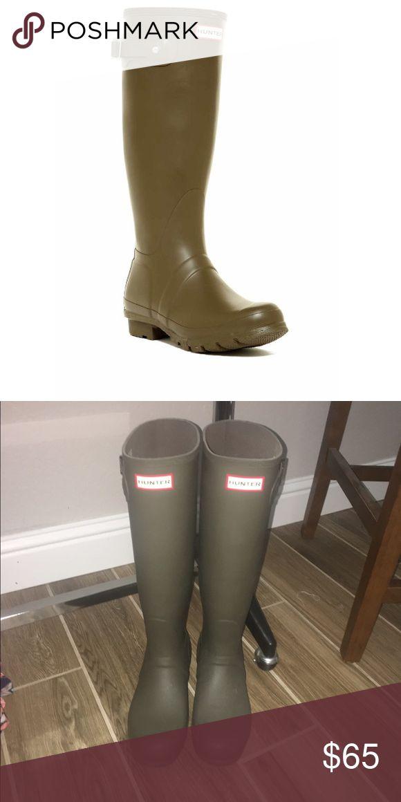 Dark green original tall Hunter rain boots Dark green original tall Hunter rain boots Hunter Shoes Winter & Rain Boots