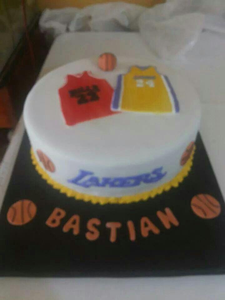 Basketbol.