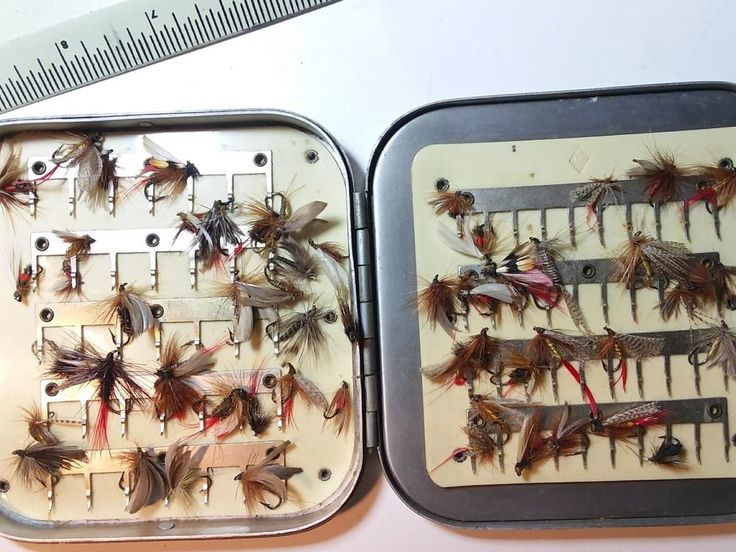 BOX of  random Flies in a  D.A. Proctor Fly Box #Unbranded