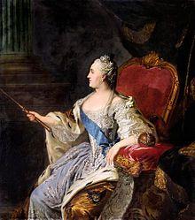 Catherine II de Russie par Fiodor Rokotov, 1763. - Femme de grande intelligence, ambitieuse, elle consacre ses 1° années à la Cour à un immense travail intellectuel, s'orientant vers le rationalisme de la culture occidentale. Elle correspond assidûment avec Voltaire, d'Alembert, Diderot. Pierre III, grand admirateur de Frédéric II, se rend vite impopulaire par ses goûts allemands.