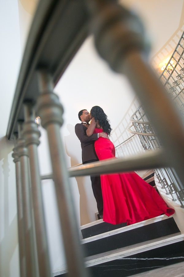 Atlanta Couple brings Old Hollywood Elegance to E-Session - Munaluchi Bridal Magazine