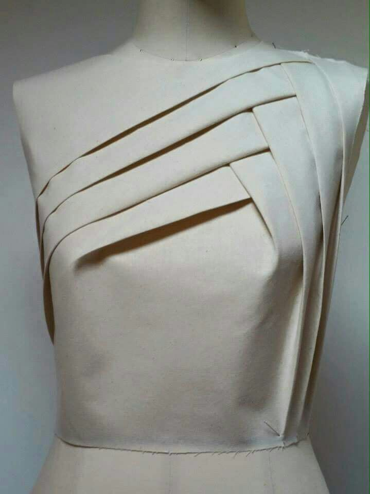 Innovative Pattern Cutting - pleated bodice detail; draping; fabric manipulation; creative sewing // Silvia Bissoli
