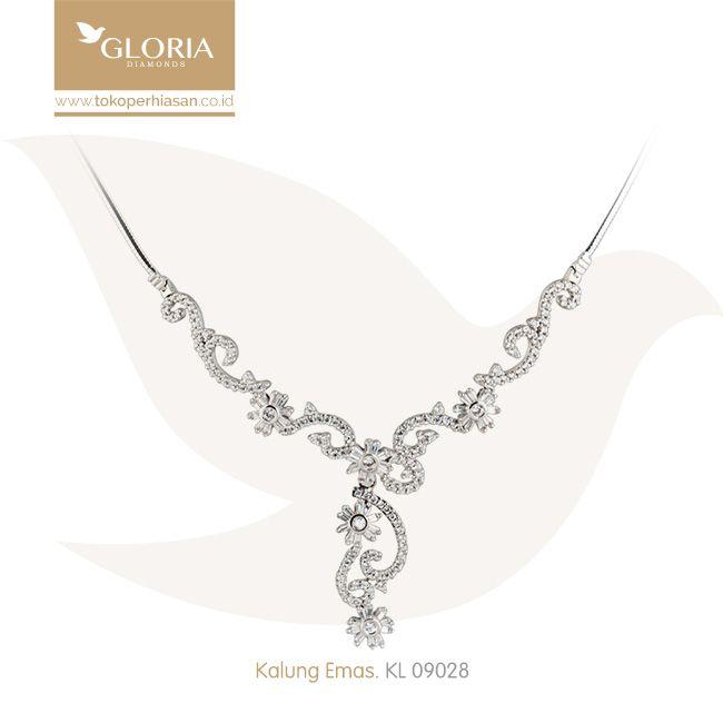 Kalung Emas Putih Pinggiran Mata Zerconia Variasi Bunga. #goldnecklace #necklace #goldstuff #gold #goldjewelry #jewelry #perhiasanemas #kalungemas #tokoperhiasan #tokoemas