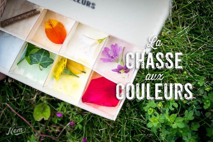 On imprime et fabrique une petite boite à compartiments, et chacun a ça couleur. On ramasse des choses dans la nature qui correspondent aux couleurs de la boite.