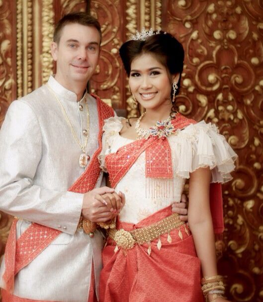 Cambodian Wedding Hairstyles: The 25+ Best Cambodian Wedding Dress Ideas On Pinterest