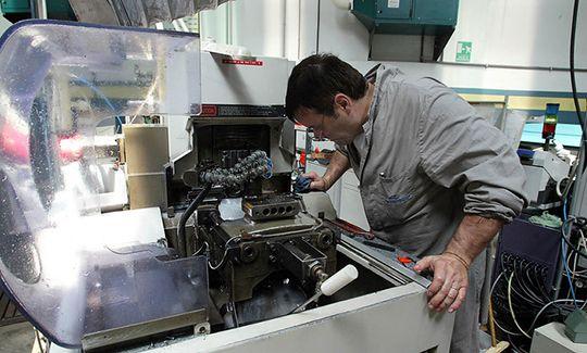 Onewstar: Sale la produzione industriale, +1,1% a giugno e trimestre