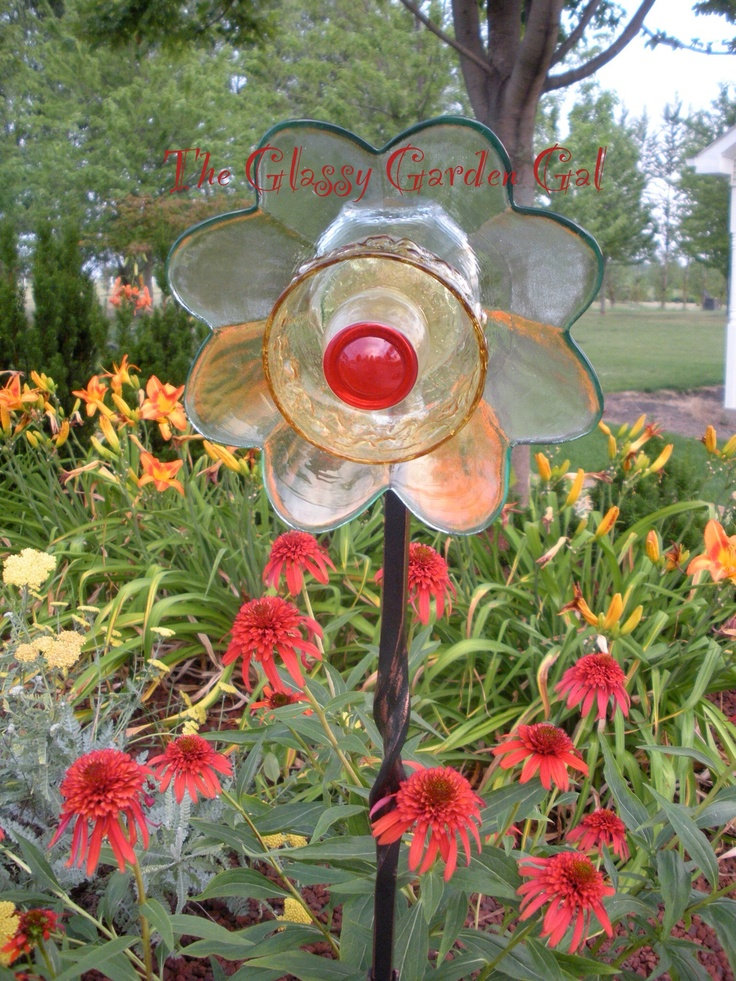 Glass Plate Garden Flower, Glass Garden Art, Yard Art, Repurposed Recycled  Up Cycled