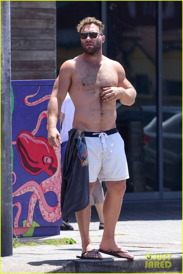 Jai Courtney and Mecki Dent November 28 2016 Bondi Beach Sydney Australia Just Jared