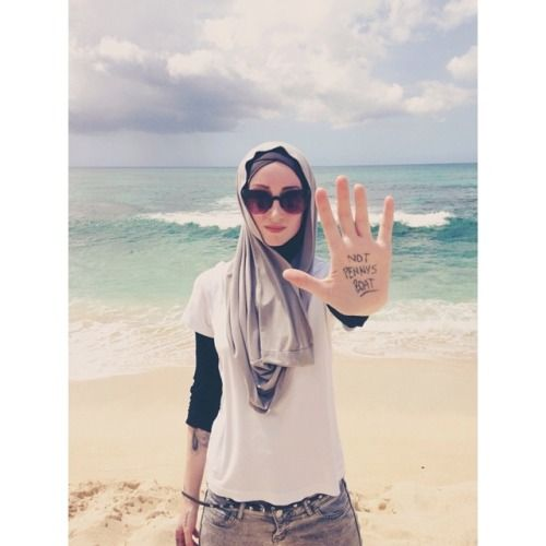 kendylaurora:  #Throwback to my first time on the Survivors Beach in Oahu. It may seem like a cute little Lost tattoo moment, but making it to that beach meant so much more to me. I fought the toughest battle of my life against Crohn's Disease and I never thought I would live to see the Island. Allahu Akbar I fought and I lived. Never give up my fellow Chronic Warriors! Keep your goals set high and never stop until you reach them #lost #losttv #spoonie #crohnsdisease #charliepace #oahu ...