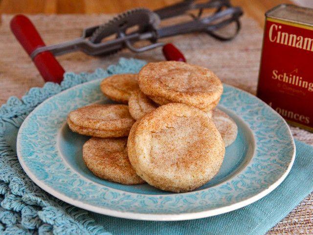 219 best FOOD HISTORY & VINTAGE COOKING images on Pinterest | Vintage cooking, Vintage kitchen ...